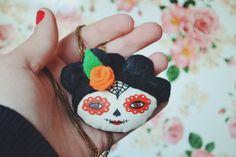Catrina Pendant day of the dead necklace by Mandarinas De Tela #MandarinasDeTela