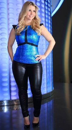 Celebrities In Leather: Beatrice Egli wears black leather pants Plus Size Leather Pants, Leather Peplum Tops, Leather Pants Outfit, Black Leather Pants, Leather Jeans, Leggings Und Heels, Shiny Leggings, Girls In Leggings, Leggings Are Not Pants
