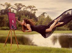 Floating artist