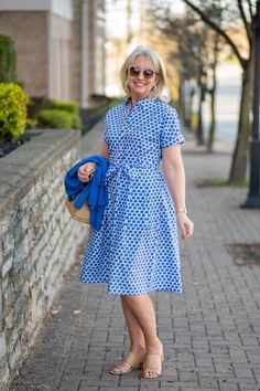 What I'm Wearing Easter - Simple Spring and Summer Dress - Styling a Shirt Dress for summer Summer Outfits, Summer Dresses, Summer Fashions, Mother Daughter Outfits, Sweet Dress, Fitness Fashion, Spring Fashion, What To Wear, Fashion Outfits
