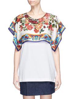 Dolce & Gabbana Majolica Shoulder Overlay T-shirt Kimono Fashion, Diy Fashion, Fashion Looks, Fashion Outfits, Scarf Top, Scarf Dress, How To Make Clothes, Diy Clothes, Unique Dresses