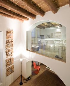 LDA Studio's memory of the pre-industrial space  Protecting the identity of the construction and material logic of a 16th century warehouse