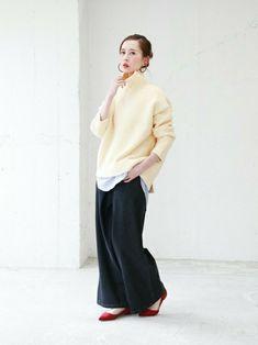 重ねておしゃれ魅せ冬の大定番タートルネックで作る重ね着コーデ集 Fashion News, Fashion Outfits, Normcore, Winter, Pants, Ideas, Style, Winter Time, Trouser Pants