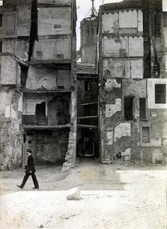 Frederic Ballell - Obertura Via Laietana, Barcelona, 1910 Black N White Images, Black And White, Spain History, Barcelona City, Gaudi, Best Cities, Vintage Photography, Vintage Images, Old World