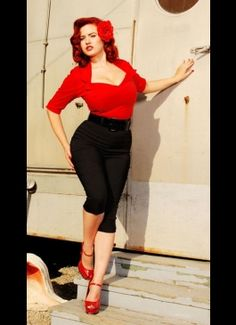 I know which model will work this outfit! This is so retro.....looove