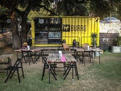 Food Rings Ideas & Inspirations 2017 - DISCOVER I love this pop up food shop. -Burro Cheese Kitchen a sharp looking container plus some tables and chairs Container Design, Container Shop, Shipping Container Restaurant, Shipping Container Homes, Comida Tex Mex, Pop Up Cafe, Food Truck For Sale, Food Park, Pop Up Restaurant