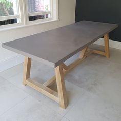 Concrete Top Dining Table, Farmhouse Dining Table Set, Diy Dining Table, Outdoor Dining Tables, Rustic Table, Table Beton, Bois Diy, Concrete Furniture, Urban Furniture