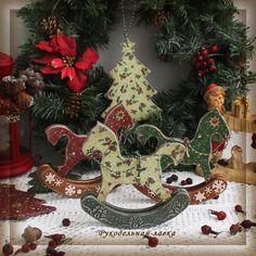 """Лошадки интерьерные """"Рождественские краски"""""""