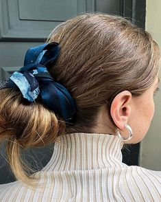An all-time favorite. The Chunky Hoops I Love Fashion, Womens Fashion, Danish Fashion, Take Care Of Your Body, About Hair, Mode Inspiration, Bandana, Hoop, Makeup Looks