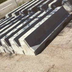 Mini Barriera a profilo New Jersey asimmetrico (Mono Scarpata) per recinzione o delimitazione aree