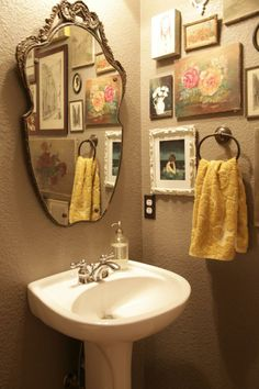 Finding Fall Home Tours 2013 {Decorating For Fall} - Jeanne Oliver Primitive Bathrooms, Vintage Bathrooms, Vintage Bathroom Decor, Laundry In Bathroom, Small Bathroom, Tiny Bathrooms, Bathroom Showers, Eclectic Bathroom, Cabin In The Woods