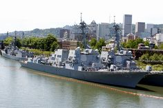 USS William P. Lawrence, USS Dewey and USS Ingraham are moored pierside at Tom McCall Waterfront Park during Fleet Week in Portland, Ore. by Official U.S. Navy Imagery, via Flickr