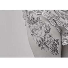 floral leg tattoo by tritoan ly