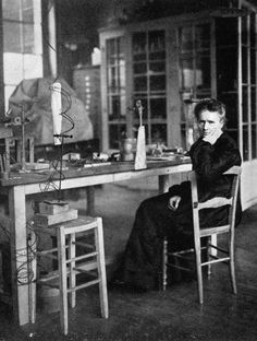 Marie Curie Polish-born French physicist in her laboratory in the year after she received here second Nobel prize, this time for chemistry. Get premium, high resolution news photos at Getty Images Marie Curie, Einstein, Nobel Prize In Physics, Historical Women, Poster Design Inspiration, Physicist, Thinking Day, Alter, Chemistry
