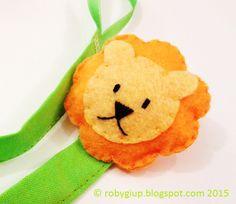 Clip portaciuccio con leone in feltro - RobyGiup handmade #regalo #neonato #mamma #bambino