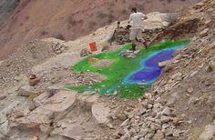 Bir bilim dalı olarak arkeolojinin geçmişi çok eski değildir. İlk büyük kazılar 18. yüzyılda, Vezüv Yanardağı'nın püskürttüğü lav ve küllerin altında kalan Pompei ve Herkulaneum kentlerinde yapıldı.Arkeologların yapması gereken en önemli işlerden biri, ulaştıkları buluntuların hangi dönemden kaldığını saptamaktır.Toprak altında kalmış çanak çömlek ocakları, pişmiş kilde bulunan magnetik güçten dolayı, duyarlı magnetometrelerle (magnetik güç ölçme aleti)…