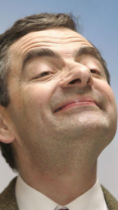 Rowan Atkinson, British, Actor, Comedian, Screenwrite: Too Funny as Mr. Bean (shown here) British Comedy, British Actors, Comedy Tv, Celebrity Look, Celebrity Photos, Director, Screenwriting, Famous Faces, Funny People