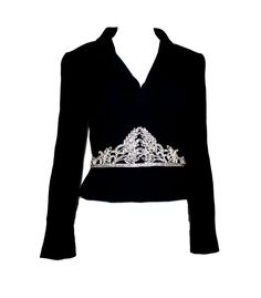 For Sale on - Beautiful CHANEL jacket designed by Karl Lagerfeld A true CHANEL signature item that will last you for many years Stunning piece Hand-embroidered in Chanel's Tweed Coat, Tweed Jacket, Fashion Art, Vintage Fashion, Fashion Design, Collarless Jacket, Chanel Jacket, Motorcycle Style, Black Blazers
