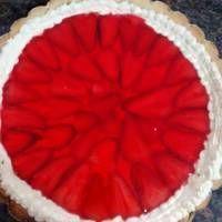 Tarta de frutilla con gelatina Christmas Tree, Holiday Decor, Sweet, Quiches, Recipes, Mariana, Birthday Treats, Milkshakes, Cookies