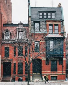 That's 18 Fairfield Street on the left and 20 Fairfield on the right. Can you guess which Back Bay house was originally the home of a 30-something who gave up a successful career in his father's business to study architecture?  That would be the #20 the 1875 house on the right. Seems Francis Richmond Allen (1843-1931) didn't find his true calling until his mid-thirties. After graduating from Amherst College Allen worked in his father's wholesale dry goods business at the corner of Milk and…