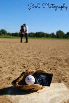 Baseball maternity photos-J & L photography