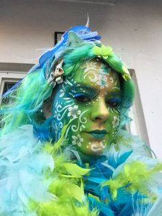 Schminck Face Painting Flowers, Face Painting Designs, Costume Hats, Costumes, Ethereal Makeup, Fantasy Make Up, Belly Painting, Hat Hairstyles, Face Art