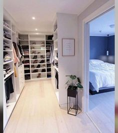 Best Apartment Closet Decor Walk In 23 Ideas Walk In Closet Design, Bedroom Closet Design, Master Bedroom Closet, Closet Designs, Walk In Closet Ikea, White Closet, Closet Doors, Bedroom Closets, Dream Closets
