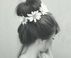 #flowercrown #bun #hair #hairstyles