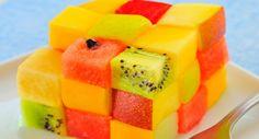 Receta Macedonia de frutas con forma de cubo de rubik