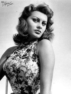 Photo of Sophia Loren for fans of Sophia Loren 21118215 Old Hollywood Actresses, Most Beautiful Hollywood Actress, Old Hollywood Stars, Hollywood Actor, Golden Age Of Hollywood, Classic Hollywood, Hollywood Glamour, Veronica Lake, Gina Lollobrigida