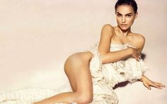Many of the sites have huge number of collection of hot pictures of Sexy Natalie Portman which you can easily search and enjoy. Natalie Portman is a famous Liam Neeson, Ewan Mcgregor, Natalie Portman Sexy, Playboy, Benjamin Millepied, Nathalie Portman, Actrices Sexy, Famous Girls, Famous Women