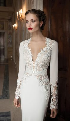 Berta Bridal Winter 2014 Collection | http://www.bellethemagazine.com/2013/12/berta-bridal-winter-2014-collection_19.html