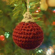 Any Way You Like It Homemade Christmas Ornaments | Look no further than this pattern for a quick and easy Christmas ornament idea.