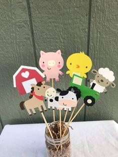 Farm Animal Party, Farm Animal Birthday, Tractor Birthday, Barnyard Party, Pig Party, Farm Birthday, Farm Party, Cow Birthday Parties, Birthday Party Centerpieces