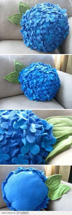 DIY Felt Hydrangea Flower Pillow DIY Felt Hydrangea Flower Pillow Related posts: 67 Ideas Cats Diy Pillow Trendy Diy Pillows Felt Tooth Fairy DIY Emoji Pillow (No-sew) Ideas diy pillows felt kids Felt Diy, Felt Crafts, Fabric Crafts, Sewing Crafts, Diy And Crafts, Sewing Art, Felt Flowers, Diy Flowers, Fabric Flowers