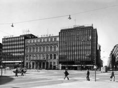 IBM, sanomalehti Uusi Suomi ja Wulff vuonna 1975, Mannerheimitie 4-8. (Kuva Hgin kaupunginmuseo, Kari Hakli)