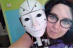 Insólito! Mujer quiere casarse con su robot
