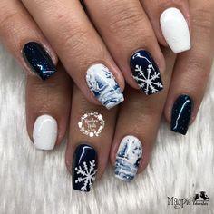 Xmas Nails, Holiday Nails, Christmas Nails, Colorful Nail Designs, Acrylic Nail Designs, Bohemian Nails, Nail Art Noel, Moon Manicure, Christmas Nail Art Designs