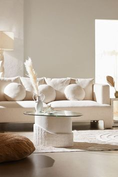 50 Comfortable Sofa Ideas To Increase Living Room Design - The sofa is one of the most vital pieces of furniture at home. Although it is the first thing that your visitors will ever see, and one of the most im. Living Room Designs, Living Room Decor, Bedroom Decor, Living Rooms, Interior Exterior, Home Interior, Interior Livingroom, Interior Plants, Interior Minimalista
