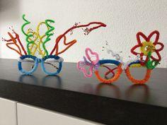 Zelfgemaakte brillen voor carnaval