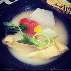 Instagram【kanazawa_yasuko】さんの写真をピンしています。 《うちのお雑煮は丸餅の白味噌味。  今年も家族みんなが健康で笑顔溢れる一年になりますように…。 #お雑煮 #白味噌#お餅#お正月 #お節 #お節料理 #元旦 #明けましておめでとう  #夜景  #和食 #大阪 #めでたい #和装 #ウェディングドレス #ウェディング #ショー #アクセサリー  #コーディネート #ヘアメイク #へアセット #メイク #エステ #エステサロン #ブライダルヘアメイク #ブライダ#心斎橋 #南船場4丁目 #南船場 #Sucre #goldrush》