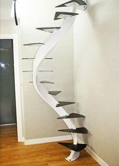 Escalera helicoidal para espacio reducido en Zarautz (Gipuzkoa) | Ibarkalde S.L