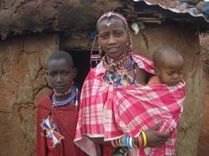 Kenyan woman and children from Flickr)