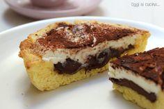 La crostata di ricotta e nutella è un dolce ottimo in qualsiasi occasione, la cremosità della ricotta si sposa benissimo con la dolcezza della nutella.