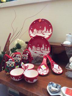 E' Natale ogni volta che sorridi a un fratello e gli tendi la mano. ... E' Natale ogni volta che riconosci con umiltà i tuoi limiti e la tua debolezza. E' Natale ogni volta che permetti al Signore di rinascere per donarlo agli altri! (Aforisma di Natale di Madre Teresa di Calcutta).  Buon Natale dallo staff di Mariage by Claraluna a Lecce in Via Filippo Bacile n.113......Vi aspettiamo