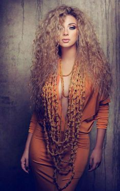 #beauty #blond #makeup #singer #Myriam Faris #curly