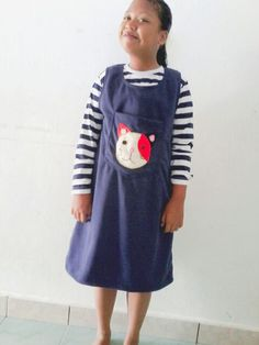 This is a girl is so cute,overal dress cats