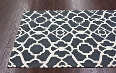 rugsusa.com ships to canada! WOW! They have a mazing rugs!
