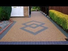 Pebble Stone Resin Drives Introduction to Resin Bound Gravel Block Paving Driveway, Resin Driveway, Diy Driveway, Driveway Landscaping, Resin Gravel, Resin Bound Gravel, Resin Bound Driveways, Resin Bond, Pebble Stone