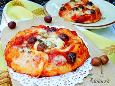 Blog de cuina de la dolorss: Pizza de sofrito de tomate con aceitunas arbequinas